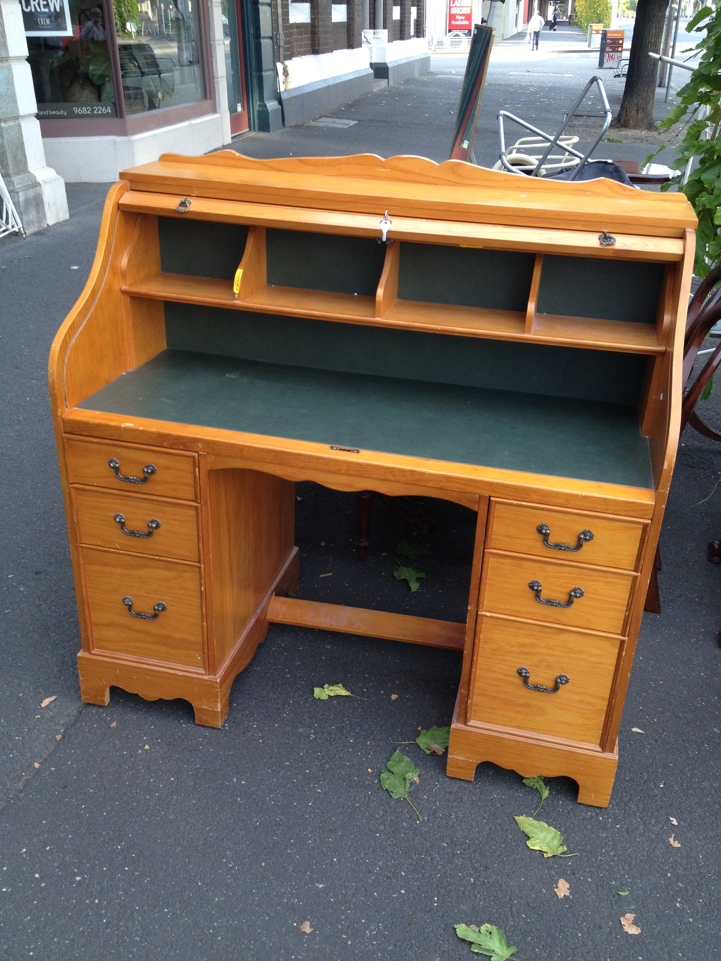 roll top desk with pigeon hole shelves